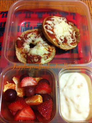 Pizza Mini Bagels, Fruit Mix and Plain Yogurt with Apple Spice Jelly